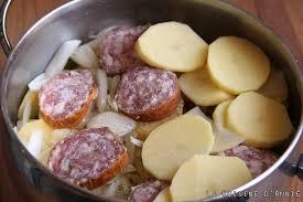 comment cuisiner la saucisse de morteau recette saucisse de morteau aux pommes de terre la cuisine