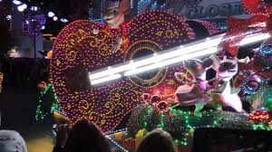 dollywood christmas lights 2017 dollywood s parade of many colors youtube