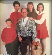 katy perry shares awkward throwback thanksgiving family photo