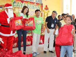 indigent kids in qc get early christmas gift inquirer news