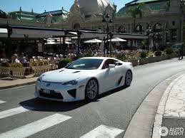 lexus lfa crash lexus lfa 8 july 2014 autogespot