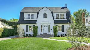Southern Colonial House Dutch Colonial This American Style Originated In Homes Built By