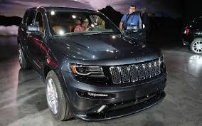 lowered 98 jeep grand cherokee 2014 jeep grand cherokee first look motor trend