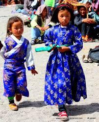 ladakh clothing ladakhi men women unique fashion sense