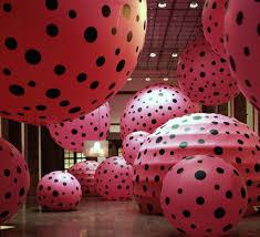 large balloons infinity mirror rooms yayoi kusama infinity mirrors hirshhorn