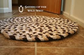 Pottery Barn Braided Rug by Sisters Of The Wild West Braided Rug Tutorial Recycling Old Towels