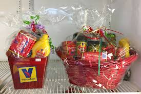 beef gift basket give the gift of a chicago style hot dog kit this season