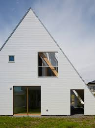 a frame roof design back in vogue 10 homes with steeply pitched roofs