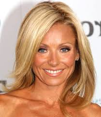 how does kelly ripa curl her hair 55 best kelly ripa images on pinterest hairstyles kelly ripa