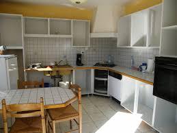 comment repeindre sa cuisine en bois ides de moderniser une cuisine en bois galerie dimages