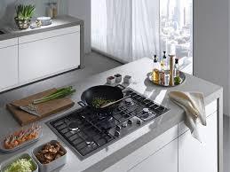 come pulire il piano cottura come pulire il piano cottura consigli e soluzioni consigli cucine