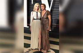 Vanity Fair Oscar Party Nip Slips Love Triangles U0026 Feuds Inside The Drama Filled Vanity