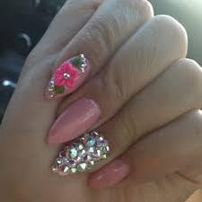 nails upland beautify themselves with sweet nails