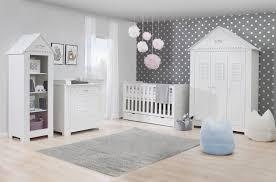 mobilier chambre bébé décoration chambre bébé garçon et fille jours de joie et nuits