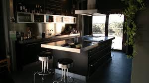 cuisine noir laqué plan de travail bois cuisine noir mat gallery of plan de travail cuisine blanc laque