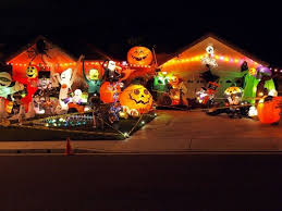 Decorated Homes Decorated Houses 11 Craziest Halloween Decorated Homes Best 9