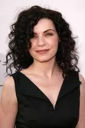 julianna margulies new hair cut curly girl julianna margulies returns to er hair health beauty