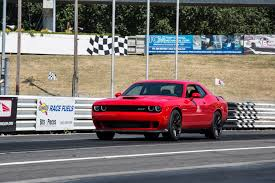 whats better a camaro or challenger 2015 dodge challenger reviews and rating motor trend