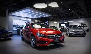 mercedes toronto mercedes opens store in toronto area mall to reach customers