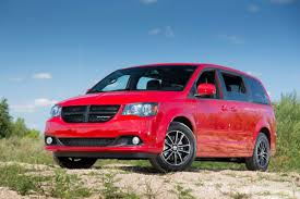 2014 chrysler town u0026 country overview cars com