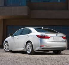 lexus es 350 trunk space lexus unveils sleek 2013 es 350 and es 300h hybrid sedans at the