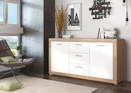 Brauntone Wohnung Elegantes Beispiel Indien Stimmiges Design Sideboard Mit Eichefarbenem Korpus Kommoden