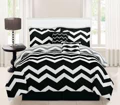 Black And White Bed Amazon Com 5 Piece Twin Chevron Black Comforter Set Home U0026 Kitchen