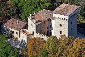 photos of luxury castle in umbria for weddings or special events