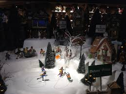 the world u0027s largest christmas store bronner u0027s christmas wonderland