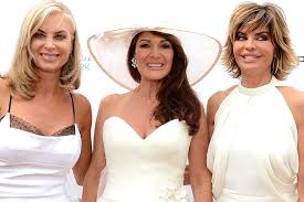 housewives real housewives of beverly hills recap the hamptons love and