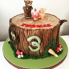 gruffalo themed cake with the cake as the tree trunk zack 4