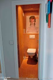 deco wc campagne des toilettes chic et brillant orange à l u0027esprit rock u0026roll avec