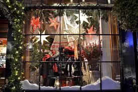 Cheap Christmas Decorations For Windows by 40 Stunning Christmas Window Decorations Ideas All About Christmas