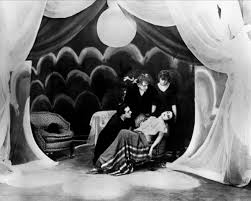 The Cabinet Of Dr Caligari Analysis 39 Best Cine Expresionista Images On Pinterest Dr Caligari The