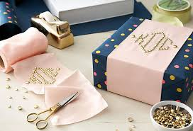 wrapping gift boxes gift wrapping tips