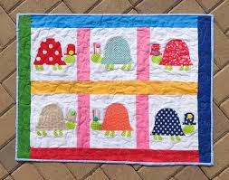 how to use heatnbond for turtles on the trot quilted wall hanging