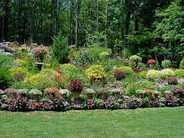 Landscaping Ideas For Small Yards by Ideas Backyard With Hill Landscaping Ideas For Small Yards With