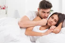 5 penyebab utama pasutri jarang berhubungan intim hello sehat