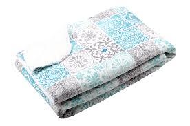 plaid turquoise pour canapé plaid blanc pour canapé fashion designs