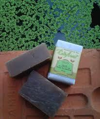 Sabun Vitamin E sabun ini mengandung antioksidan alami yang berasal dari daun teh