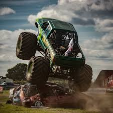 monster truck racing uk lucas oil uk swamp thing monster truck