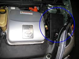 toyota prius 2007 battery i need pictures of jump points for battery in trunk of car