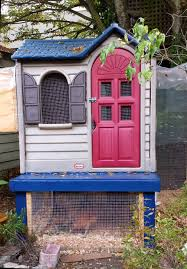 little tykes playhouse becomes a chicken coop video chicken