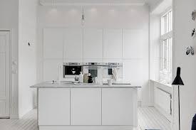 cuisine blanche grise design interieur cuisine blanche fours encastrés ilot plan