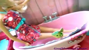 Barbie Glam Bathroom by Burger Maker Toy At The Barbie Mcdonalds Restaurant With Disney