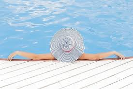 how to get rid of dead algae from bottom of pool swimming pools