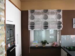 vorhänge für küche küche vorhänge ideen mit braun wand gestaltung