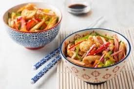 recette de teppanyaki de poulet aux légumes croquants et sésame rapide