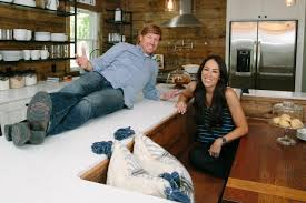 chip and joanna gaines facebook chip and joanna gaines fashion icons hgtv u0027s fixer upper with