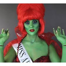 Halloween Costume Beetlejuice Nicole Guerriero